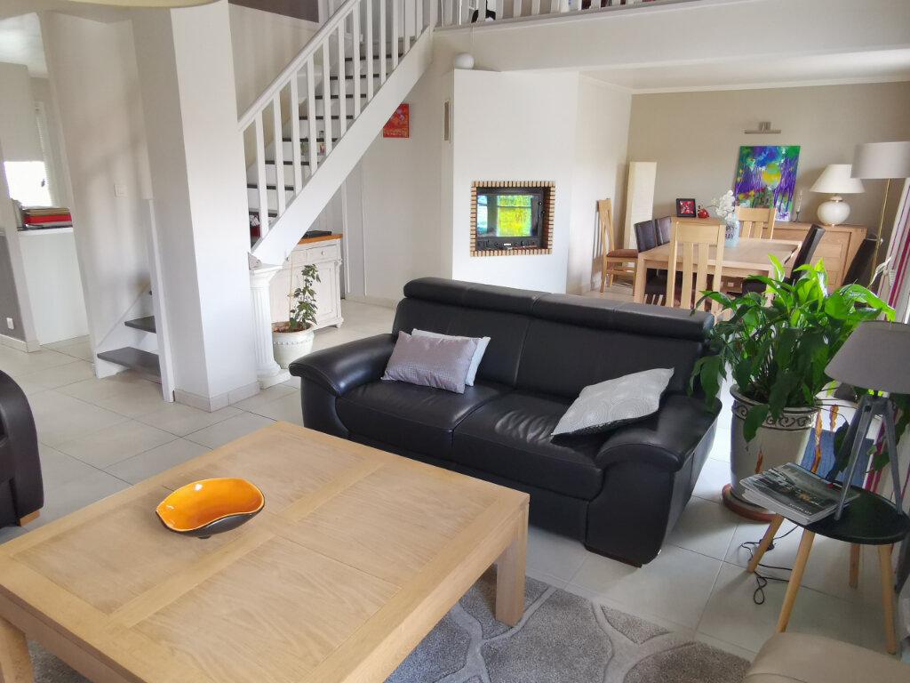 Maison à vendre 6 109m2 à Rezé vignette-2