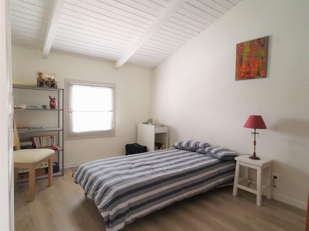 Maison à vendre 6 109m2 à Rezé vignette-5