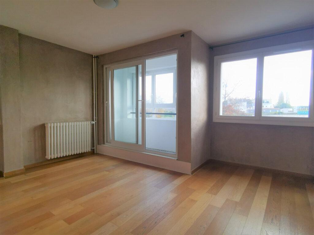 Appartement à vendre 4 67m2 à Nantes vignette-1