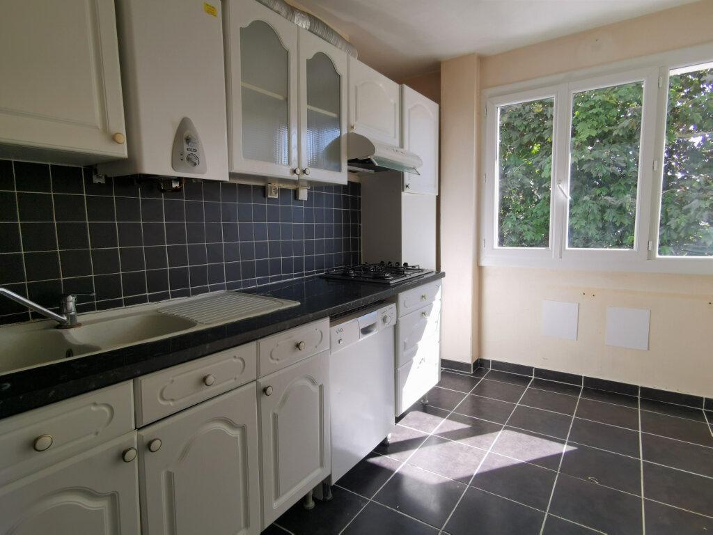 Appartement à vendre 4 67m2 à Nantes vignette-2