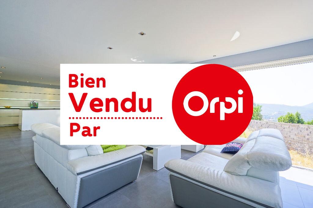 Maison à vendre 5 146m2 à Mandelieu-la-Napoule vignette-1