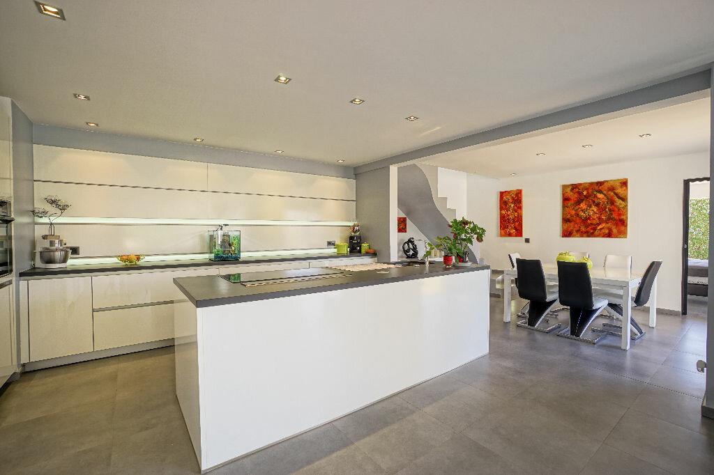 Maison à vendre 5 146m2 à Mandelieu-la-Napoule vignette-2