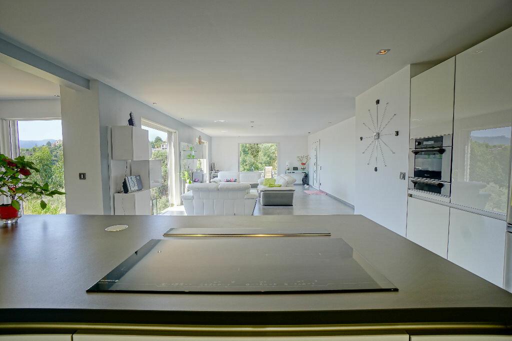 Maison à vendre 5 146m2 à Mandelieu-la-Napoule vignette-3