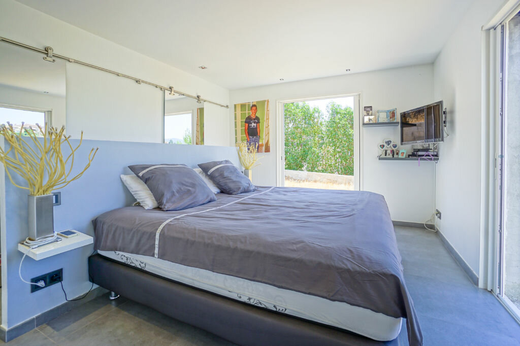 Maison à vendre 5 146m2 à Mandelieu-la-Napoule vignette-8