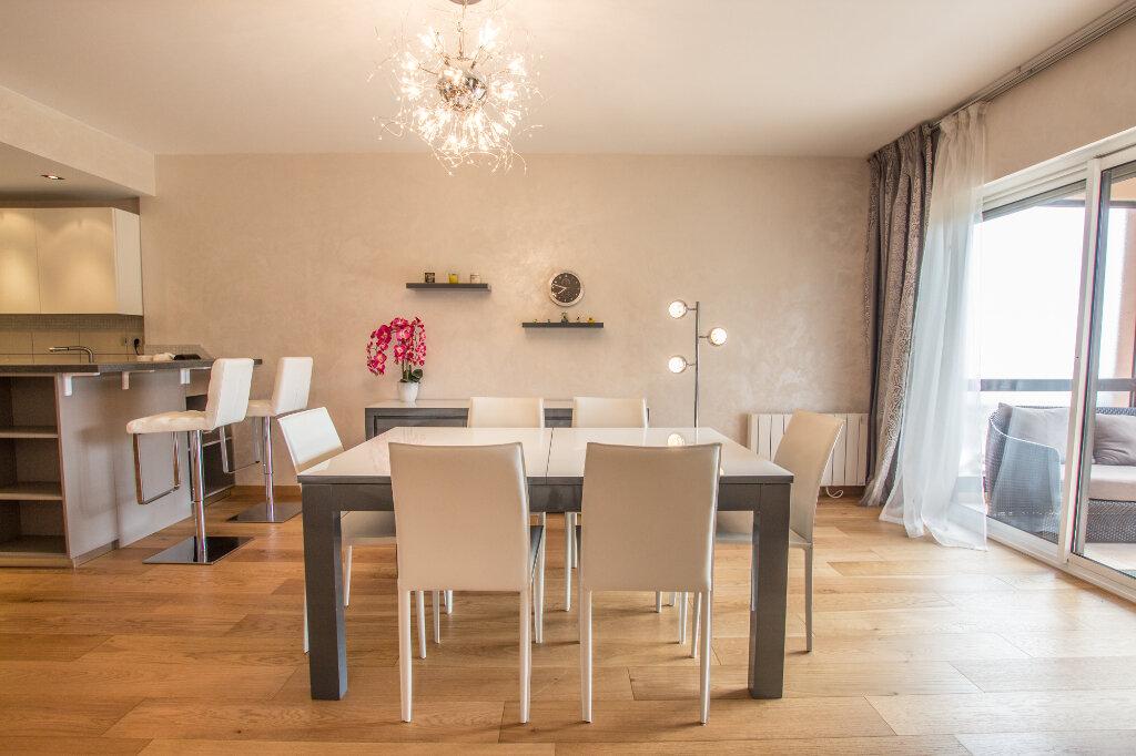 Appartement à louer 3 100m2 à Théoule-sur-Mer vignette-2
