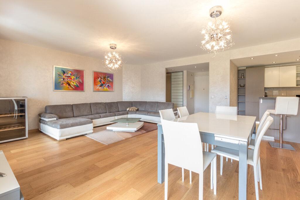 Appartement à louer 3 100m2 à Théoule-sur-Mer vignette-4
