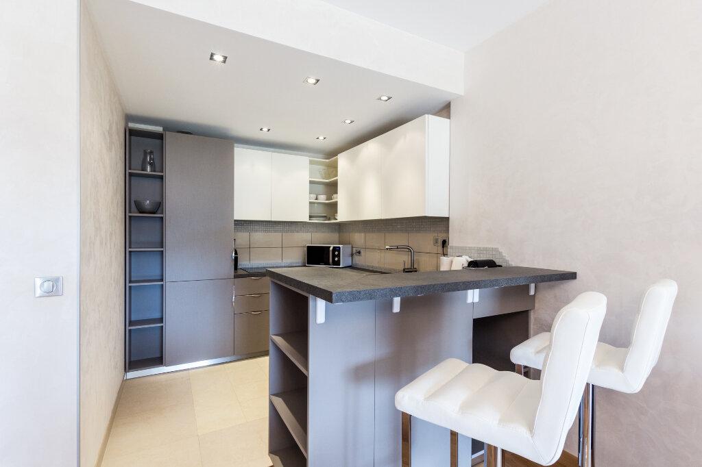 Appartement à louer 3 100m2 à Théoule-sur-Mer vignette-6