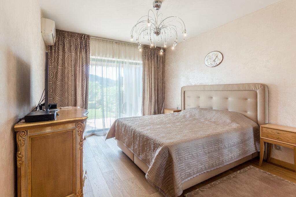 Appartement à louer 3 100m2 à Théoule-sur-Mer vignette-8