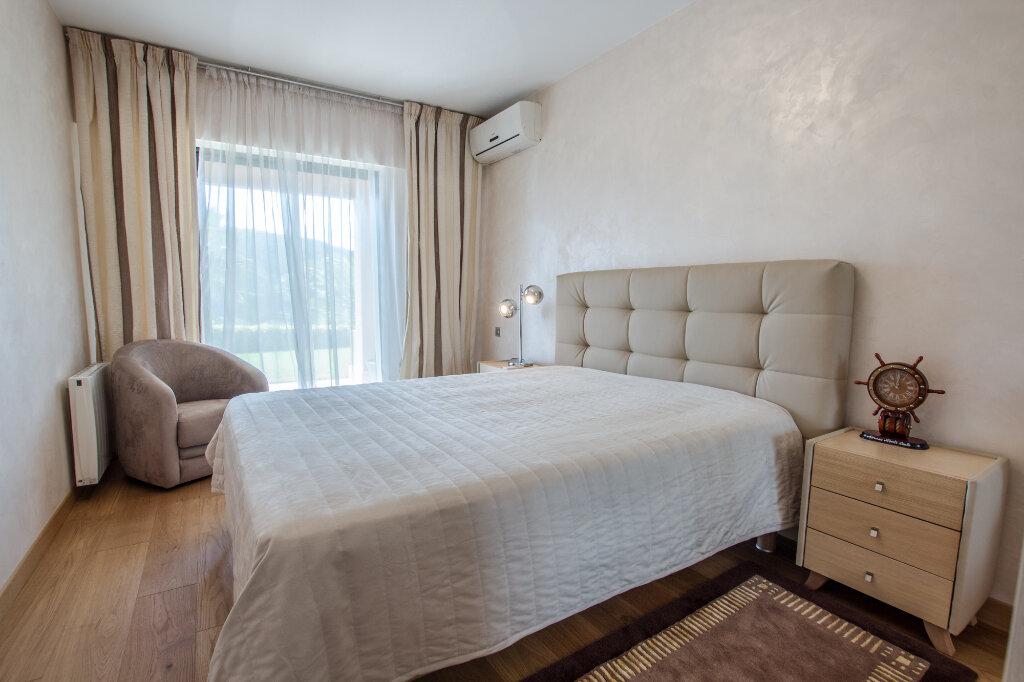 Appartement à louer 3 100m2 à Théoule-sur-Mer vignette-9