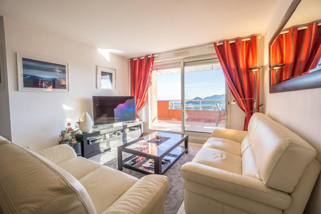 Appartement à vendre 3 89.78m2 à Mandelieu-la-Napoule vignette-8
