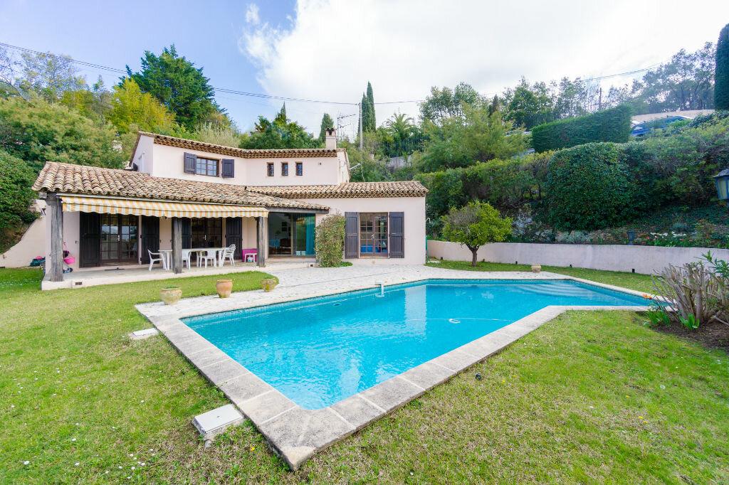 Maison à vendre 6 163.8m2 à Mandelieu-la-Napoule vignette-1