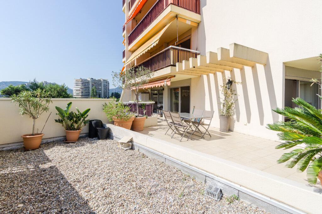 Appartement à vendre 3 69.37m2 à Mandelieu-la-Napoule vignette-3