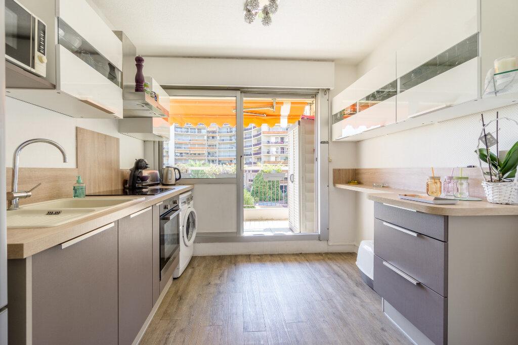 Appartement à vendre 3 69.37m2 à Mandelieu-la-Napoule vignette-4