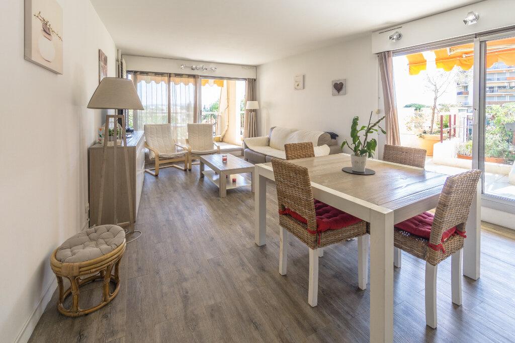 Appartement à vendre 3 69.37m2 à Mandelieu-la-Napoule vignette-6