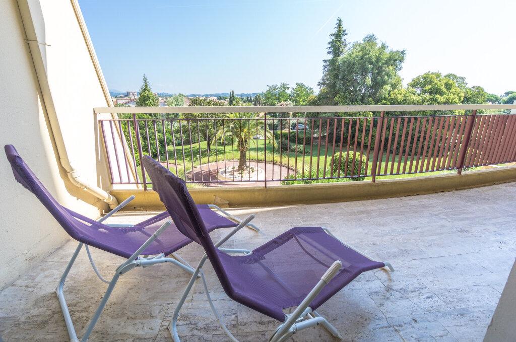 Appartement à vendre 3 69.37m2 à Mandelieu-la-Napoule vignette-7
