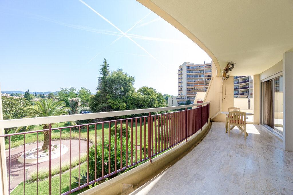 Appartement à vendre 3 69.37m2 à Mandelieu-la-Napoule vignette-8
