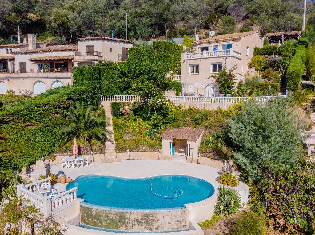 Maison à vendre 5 170m2 à Mandelieu-la-Napoule vignette-1