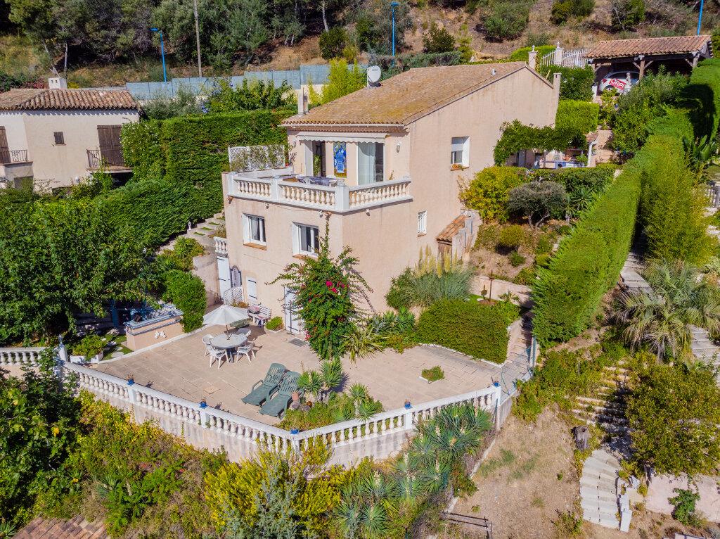 Maison à vendre 5 170m2 à Mandelieu-la-Napoule vignette-2
