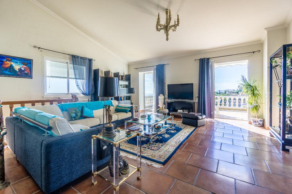 Maison à vendre 5 170m2 à Mandelieu-la-Napoule vignette-6