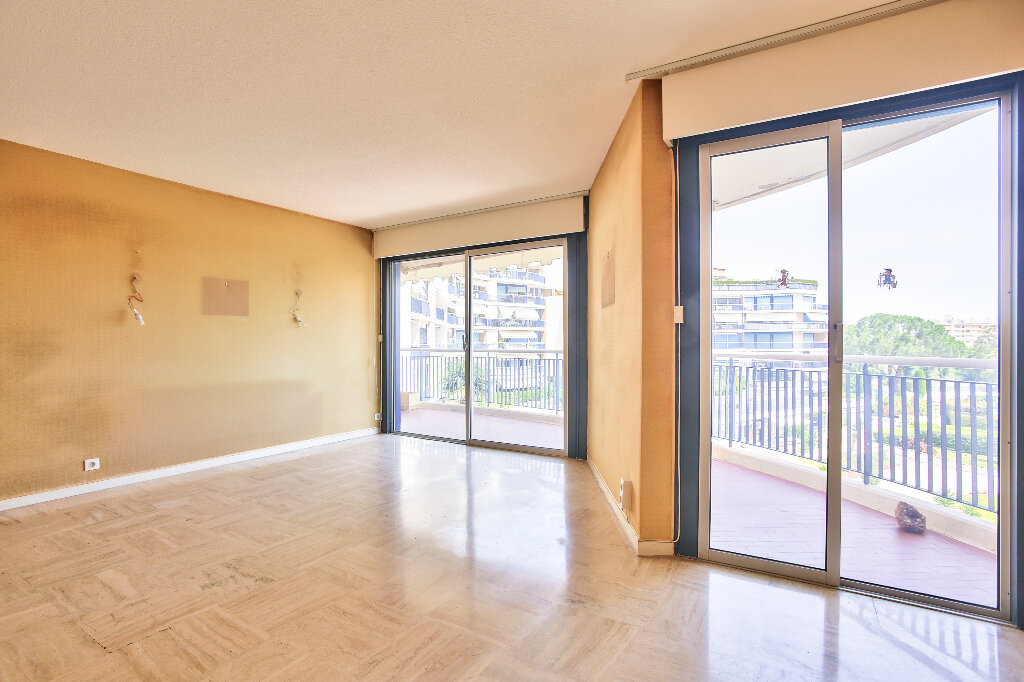 Appartement à vendre 2 51.75m2 à Mandelieu-la-Napoule vignette-5