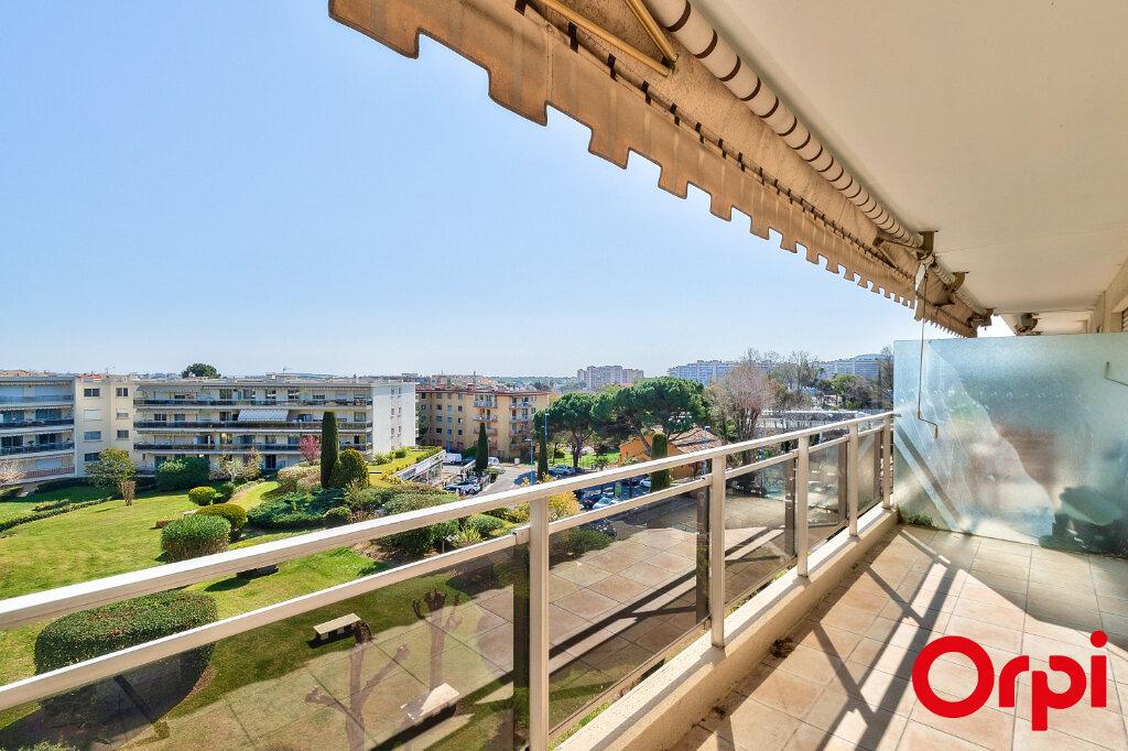 Appartement à louer 3 70.97m2 à Mandelieu-la-Napoule vignette-2