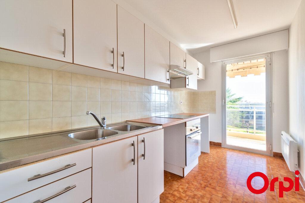 Appartement à louer 3 70.97m2 à Mandelieu-la-Napoule vignette-6