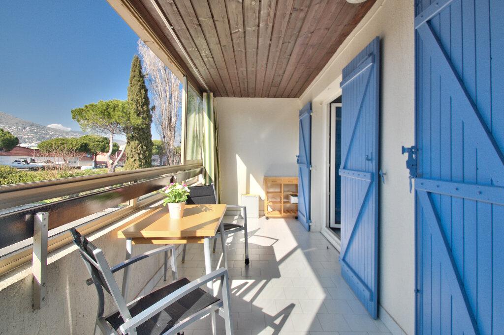 Appartement à vendre 2 27.82m2 à Mandelieu-la-Napoule vignette-2