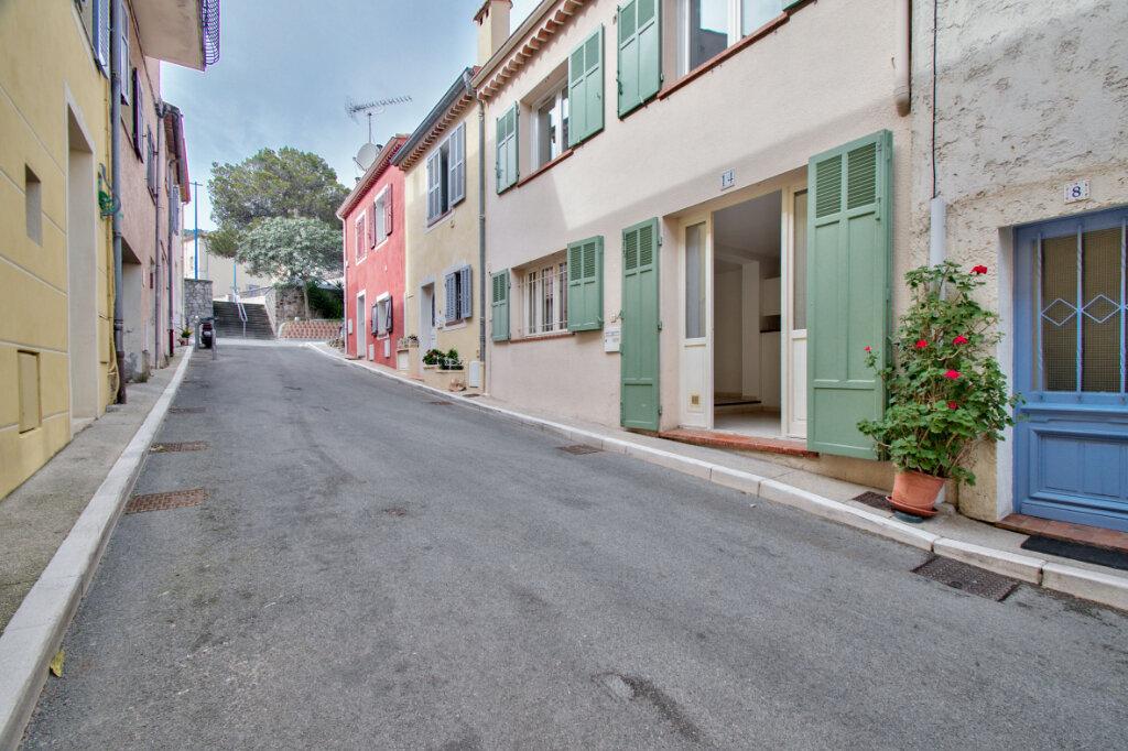 Maison à louer 3 61m2 à Mandelieu-la-Napoule vignette-14
