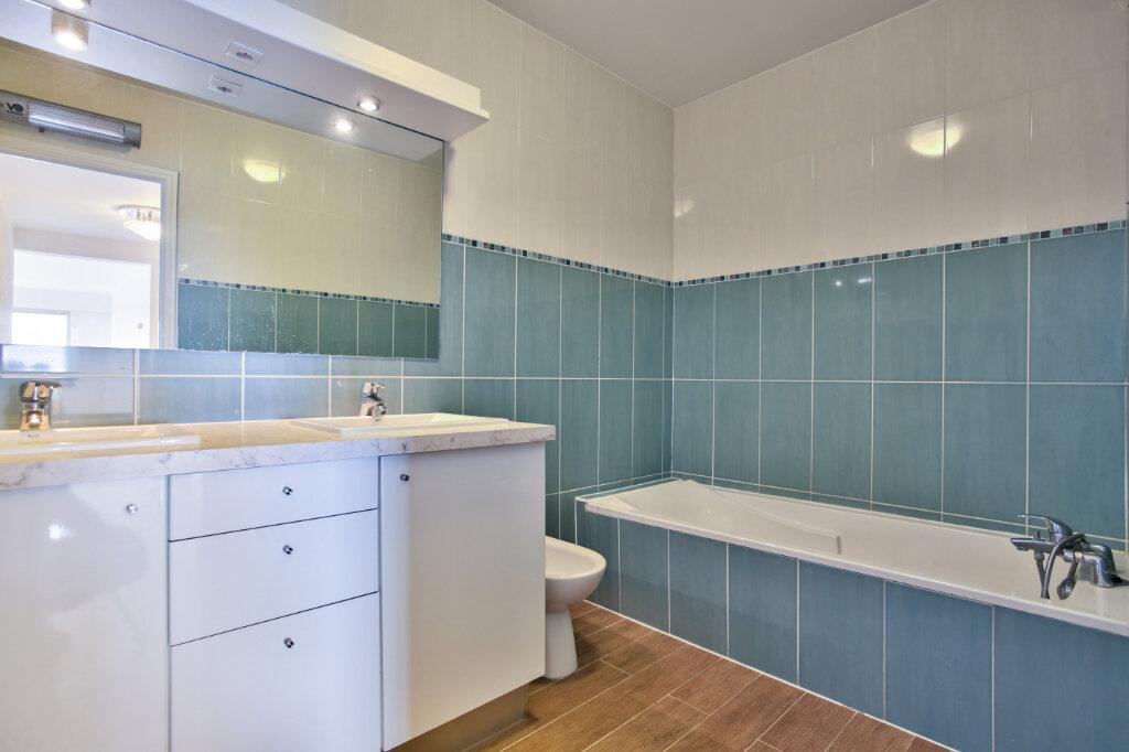 Appartement à louer 3 78.74m2 à Mandelieu-la-Napoule vignette-15