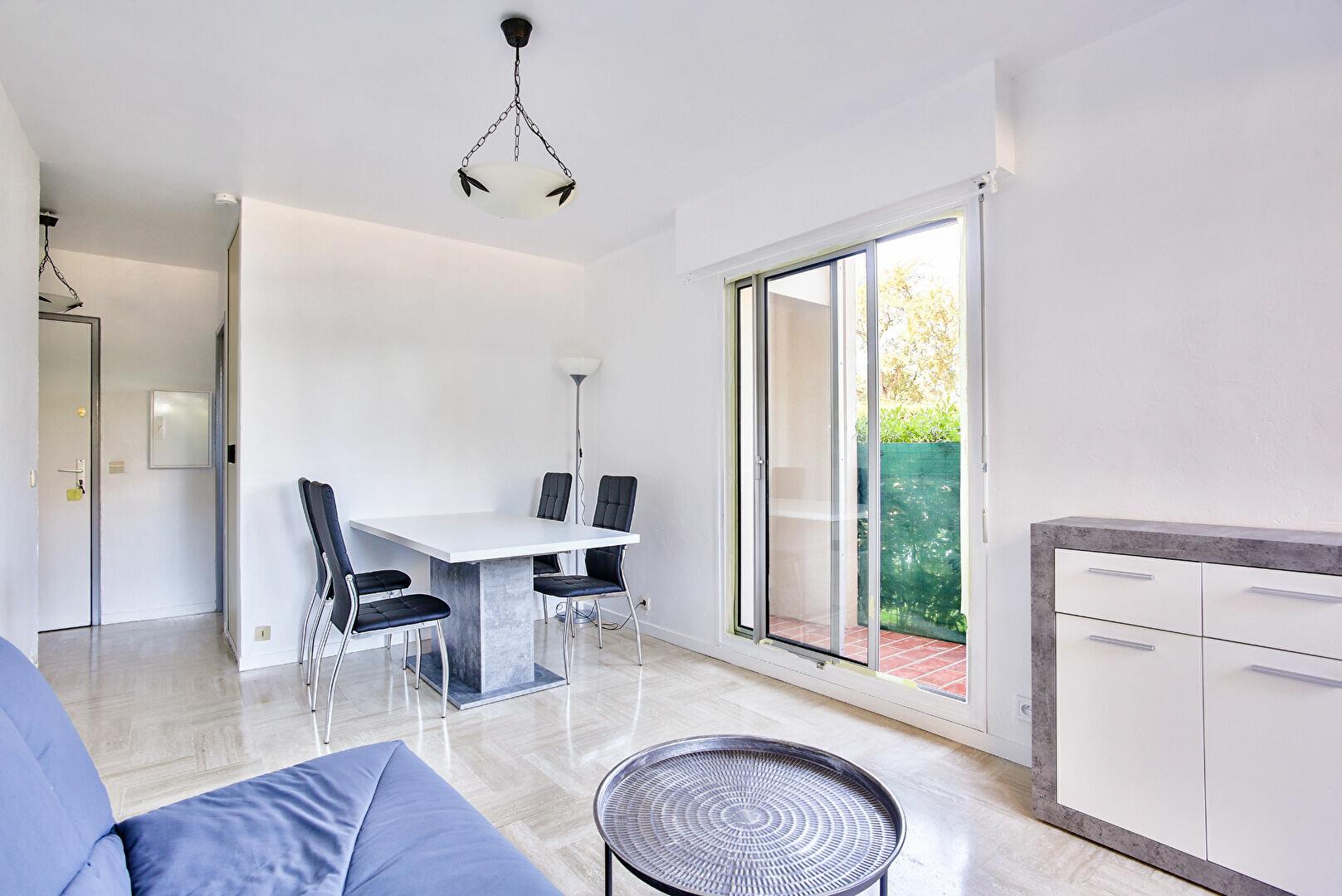 Appartement à louer 2 34.11m2 à Mandelieu-la-Napoule vignette-3