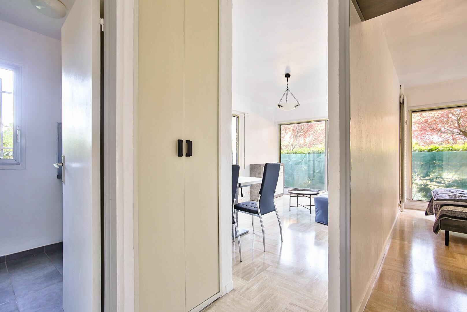 Appartement à louer 2 34.11m2 à Mandelieu-la-Napoule vignette-7