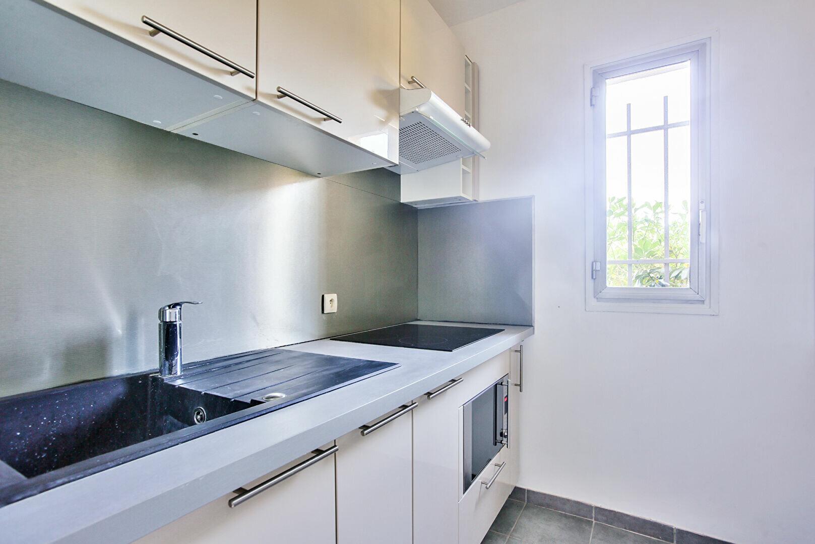 Appartement à louer 2 34.11m2 à Mandelieu-la-Napoule vignette-8