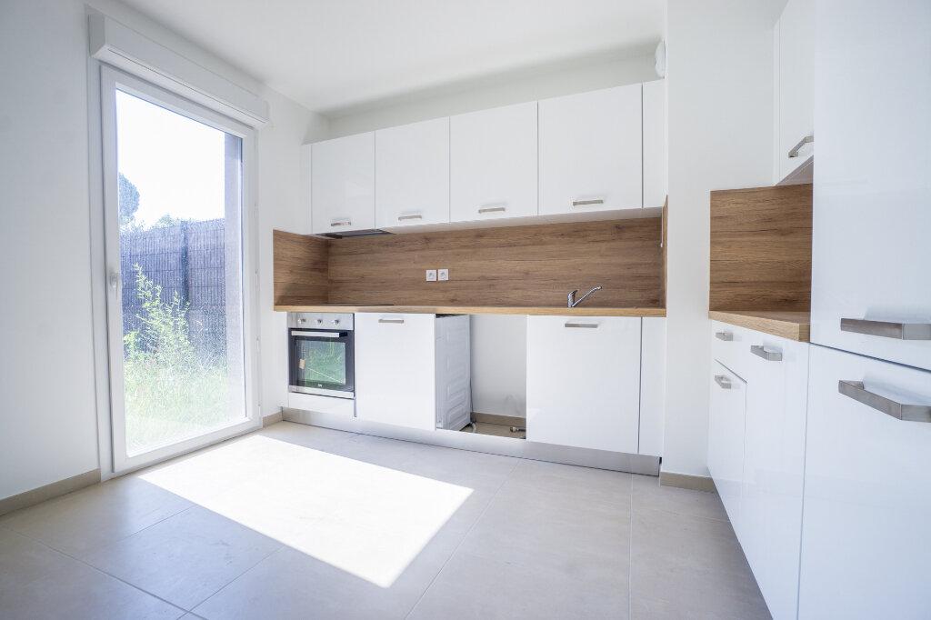 Appartement à louer 3 66.45m2 à Mandelieu-la-Napoule vignette-3