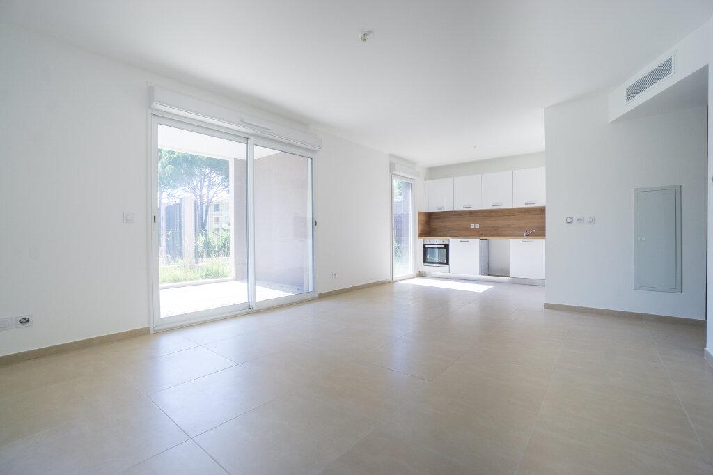 Appartement à louer 3 66.45m2 à Mandelieu-la-Napoule vignette-4