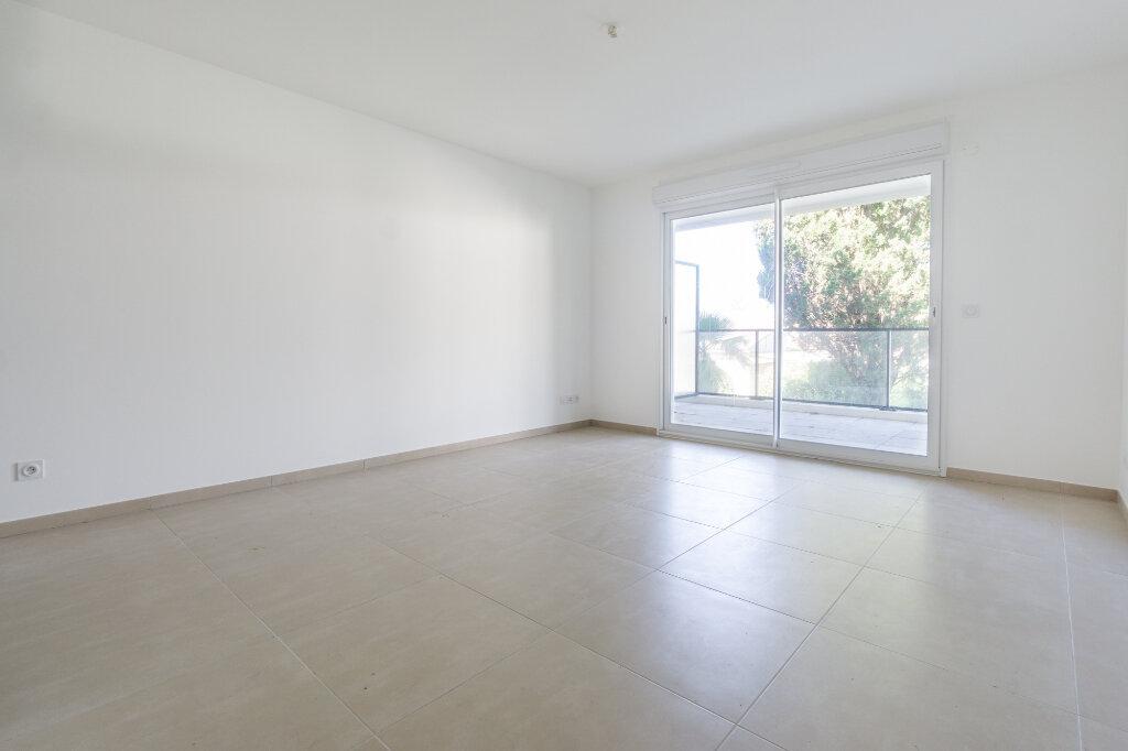 Appartement à louer 3 64.14m2 à Mandelieu-la-Napoule vignette-6