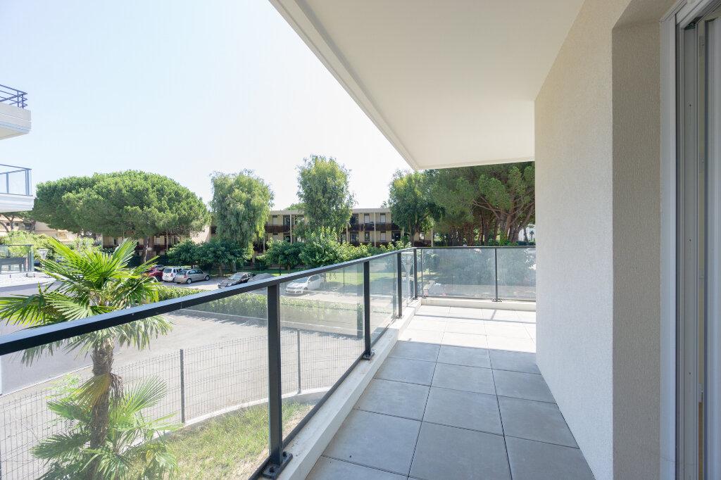 Appartement à louer 3 64.14m2 à Mandelieu-la-Napoule vignette-9
