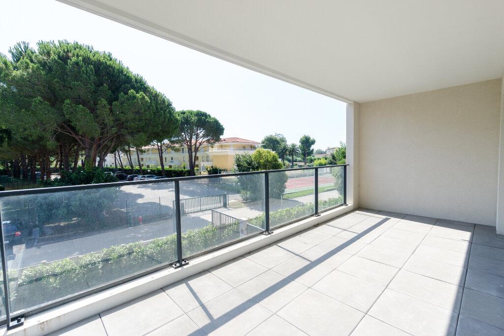 Appartement à louer 3 64.14m2 à Mandelieu-la-Napoule vignette-10