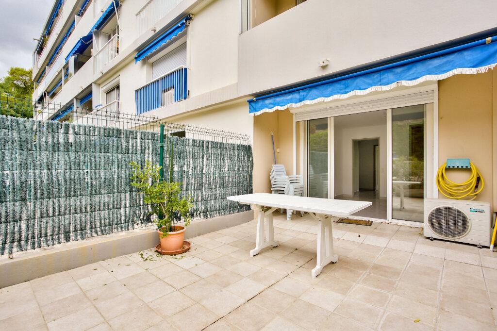 Appartement à louer 2 40.41m2 à Mandelieu-la-Napoule vignette-1