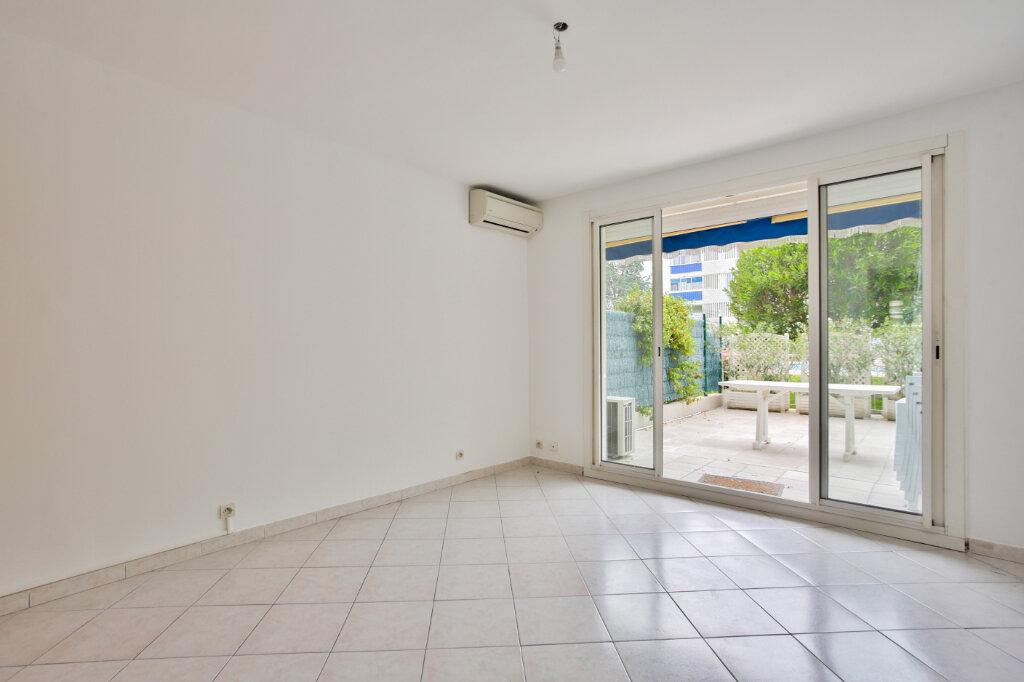 Appartement à louer 2 40.41m2 à Mandelieu-la-Napoule vignette-4