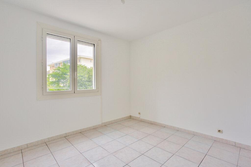Appartement à louer 2 40.41m2 à Mandelieu-la-Napoule vignette-13