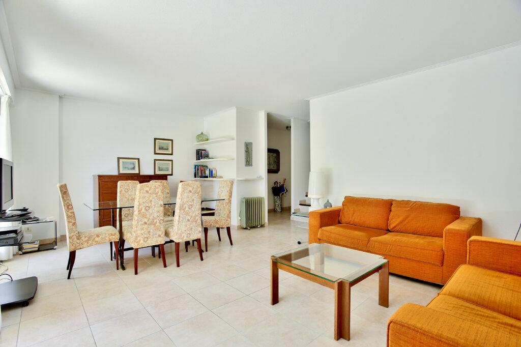Appartement à louer 4 82.62m2 à Mandelieu-la-Napoule vignette-3