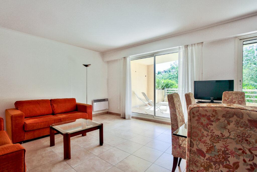 Appartement à louer 4 82.62m2 à Mandelieu-la-Napoule vignette-4