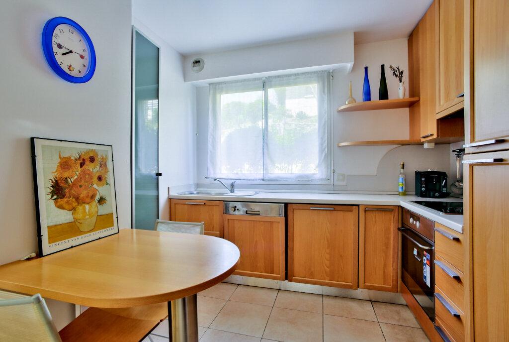 Appartement à louer 4 82.62m2 à Mandelieu-la-Napoule vignette-8