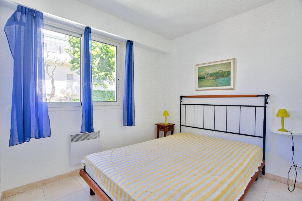 Appartement à louer 4 82.62m2 à Mandelieu-la-Napoule vignette-9