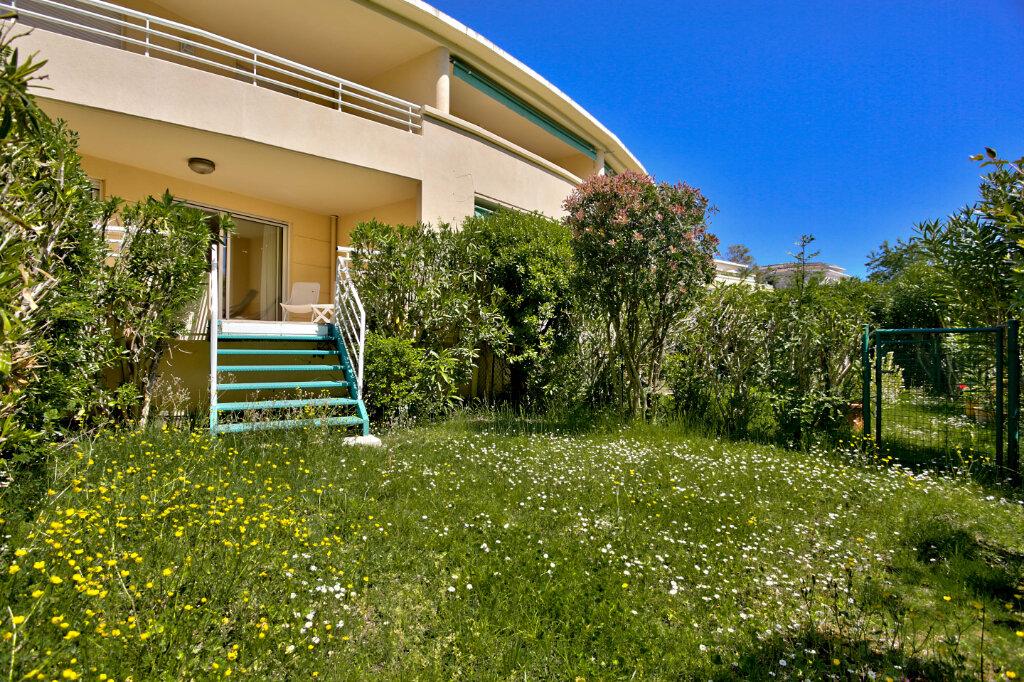 Appartement à louer 4 82.62m2 à Mandelieu-la-Napoule vignette-16