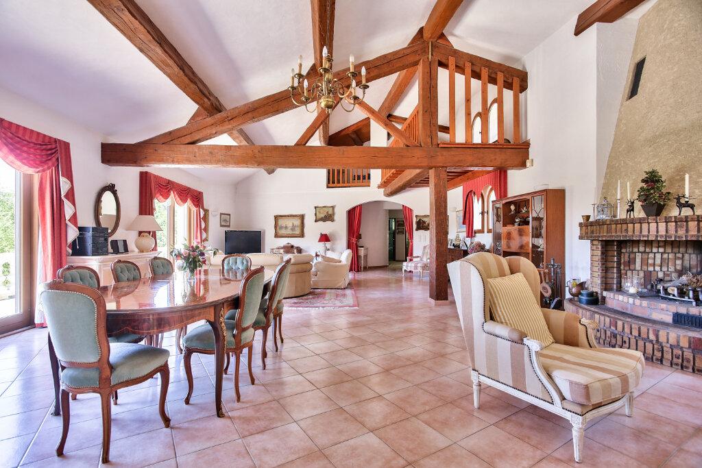 Maison à vendre 8 300m2 à Fréjus vignette-6