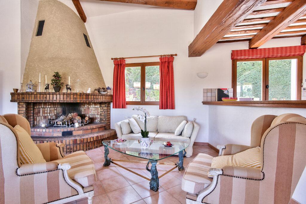 Maison à vendre 8 300m2 à Fréjus vignette-8