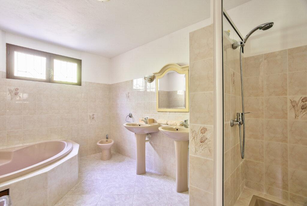 Maison à vendre 8 300m2 à Fréjus vignette-12
