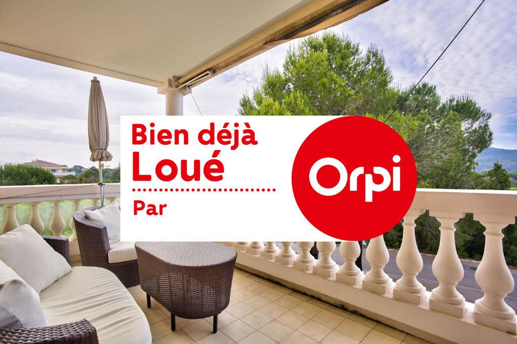 Appartement à louer 3 62.05m2 à Mandelieu-la-Napoule vignette-1