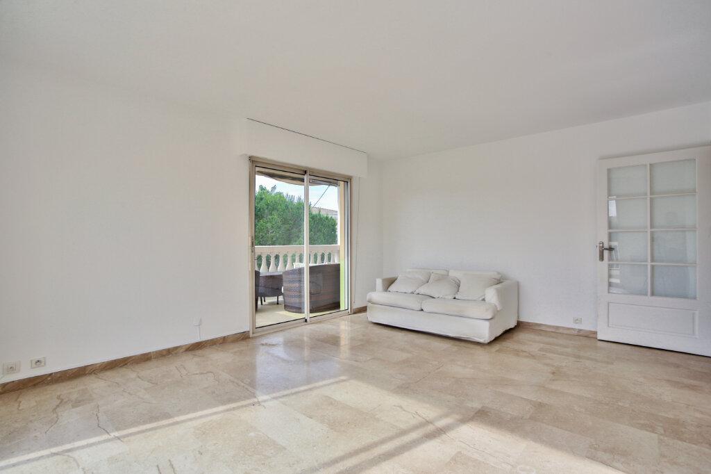 Appartement à louer 3 62.05m2 à Mandelieu-la-Napoule vignette-5